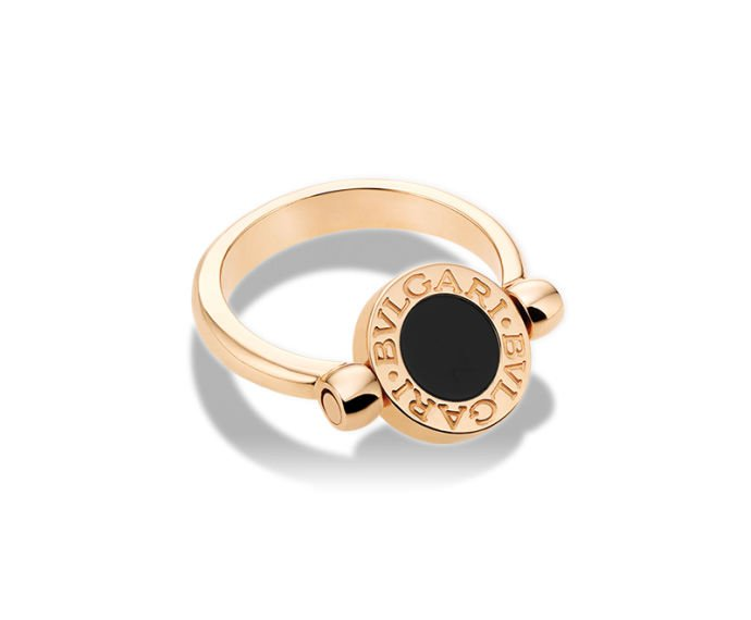 Bulgari - Flip ring in pink gold 18 K with mother-of-pearl and onyx