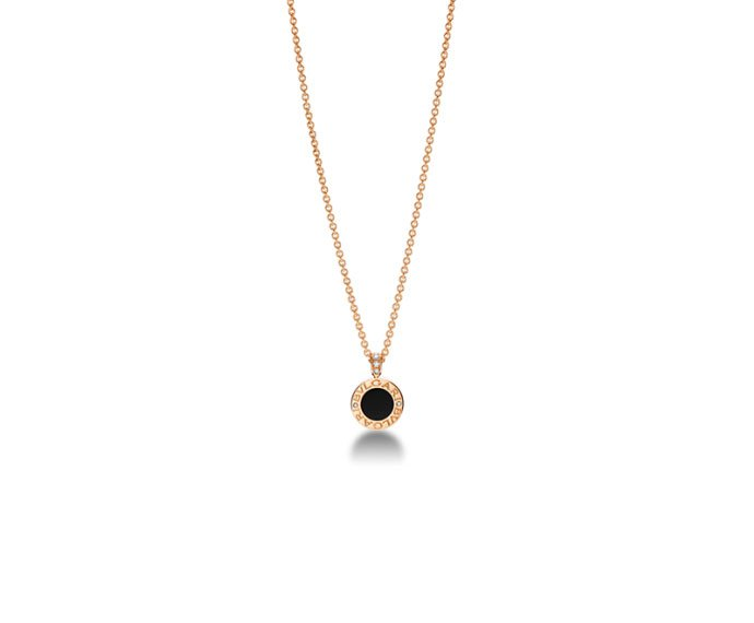 Bulgari - Pendant with chain in pink gold 18 K with mother-of-pearl, onyx and pavé of diamonds