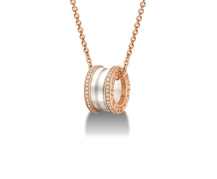 Bulgari - Pendant in pink gold 18 K and white ceramic with pavé of diamonds