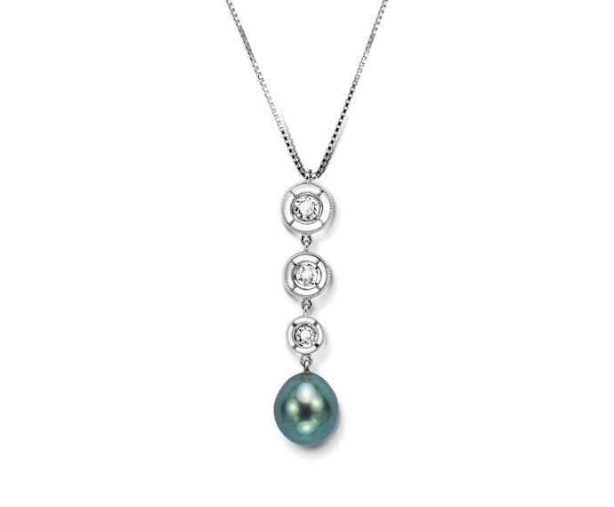 CALDERONI - Necklace in white gold, diamonds and pearls