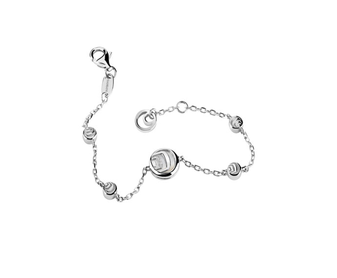 - Silver, diamonds and mother-of-pearl bracelet