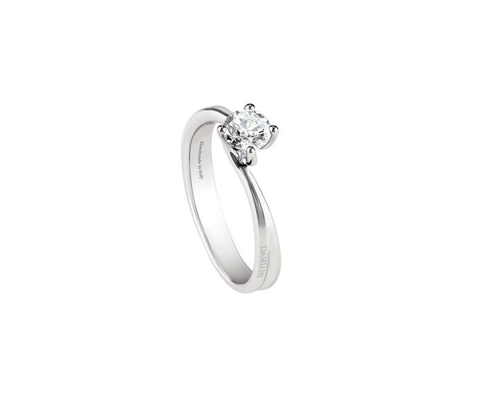 - White gold or platinum solitaire ring