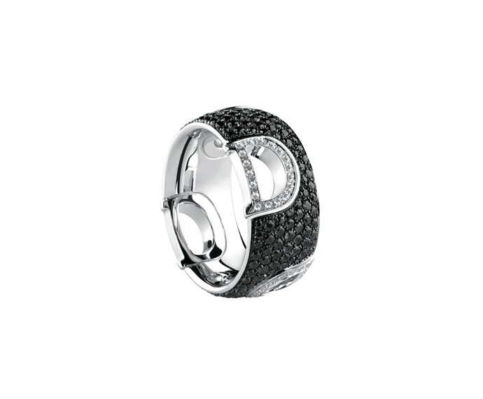 Damiani - White gold with white and black diamonds ring