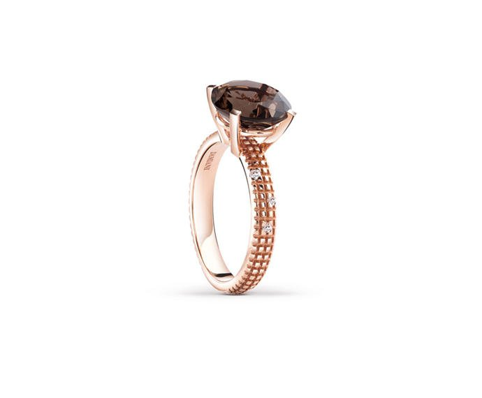 - Pink gold and diamonds ring with fumé quartz
