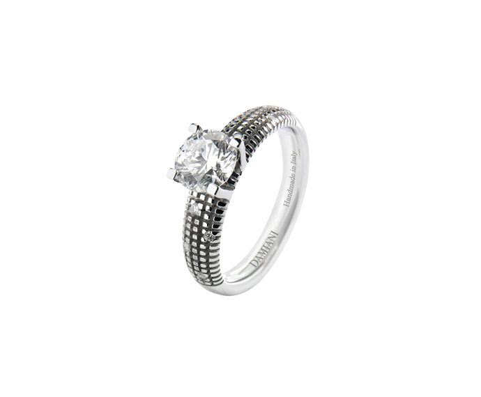 Damiani - White gold with diamonds solitaire ring