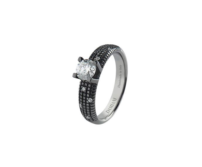 Damiani - Black gold with diamonds solitaire ring