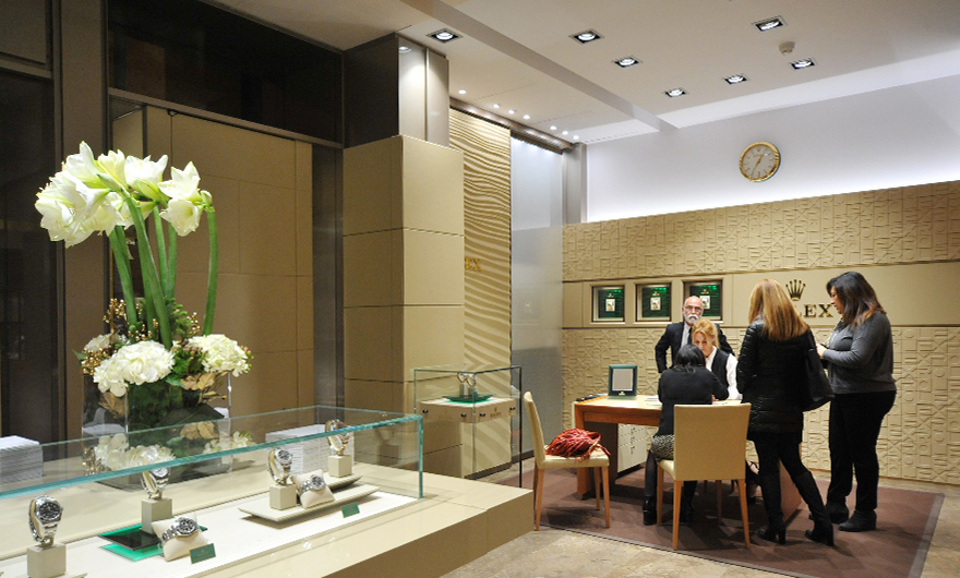 Rocca and Rolex hosted an exclusive Christmas Cocktail in the Boutique of Bari