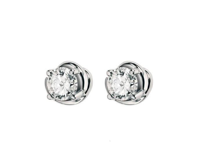 - Earrings in white gold and diamonds